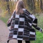 Mode : le poncho «couverture»